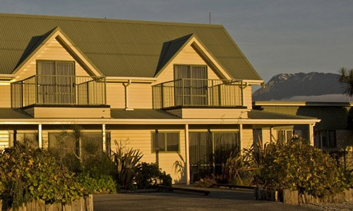 Haast Beach Motels 2 storey family apartments
